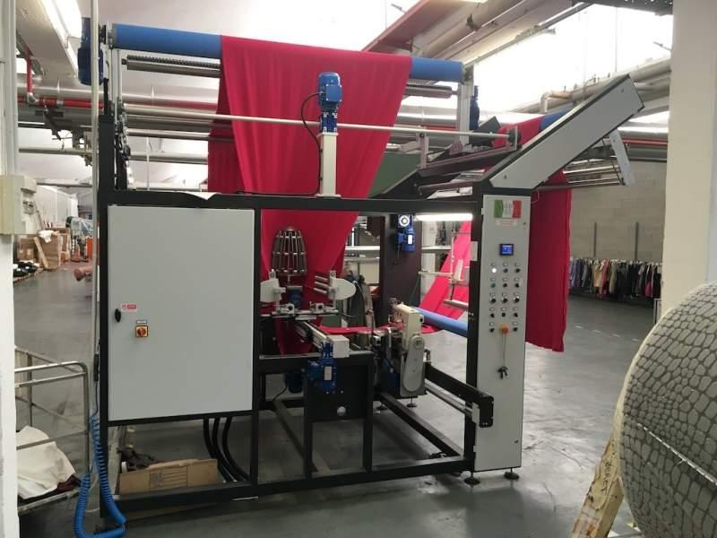 Impianto per cucitura a sacco modello T-DPS BREVETTATO adatto per tessuti a maglia e trama-ordito Texma srl - 1