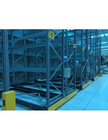 Mobile installation of shelving, goods storage