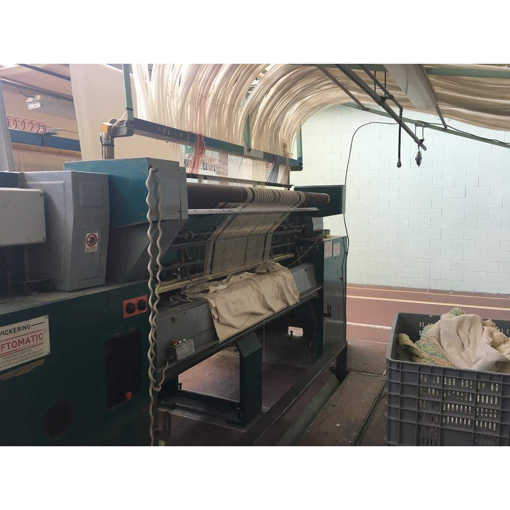 rug tufting machine